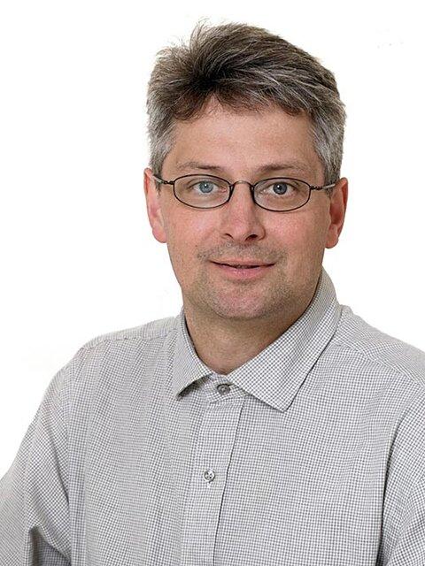 Dr. Lars Pleth Nielsen